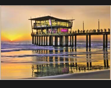 Serenity Beach Apartment - Free Wifi & Parking