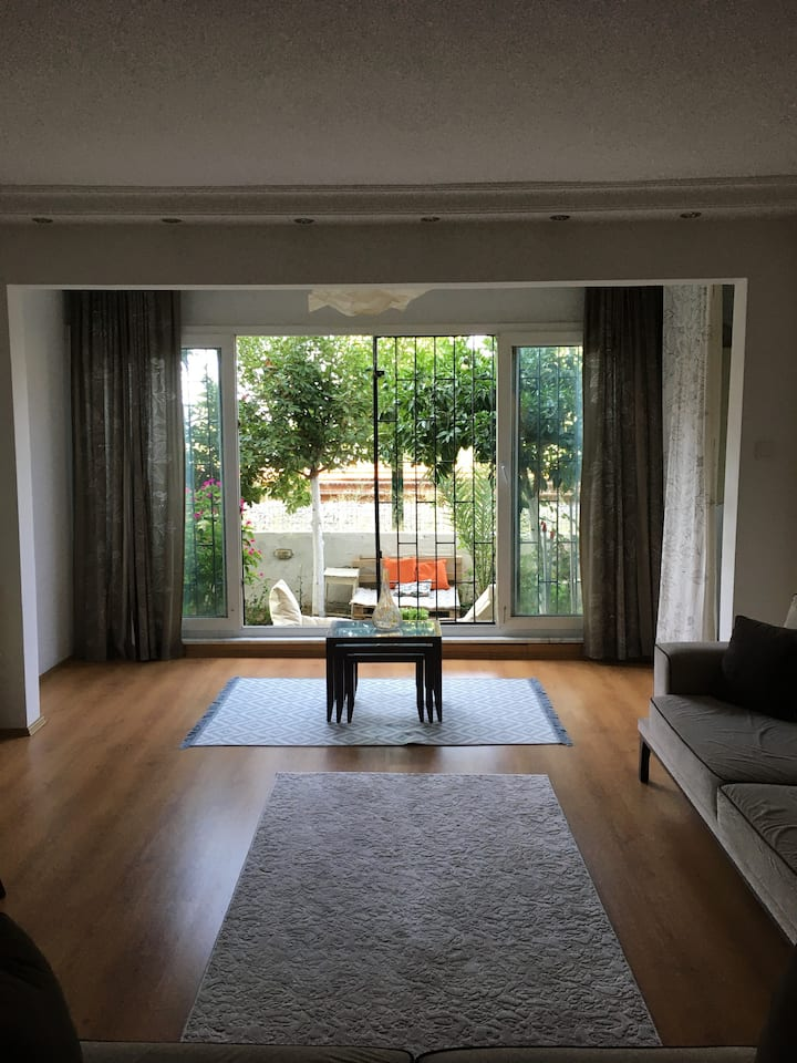 A Sweet Room with Garden in the Perfect Location