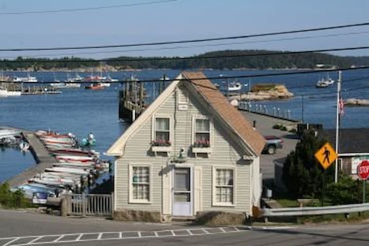 Catbird Seat - Intown Stonington - On the Harbor