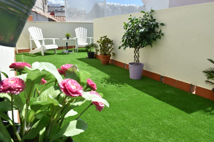 Central Penthouse Private Terrace -Free Parking-