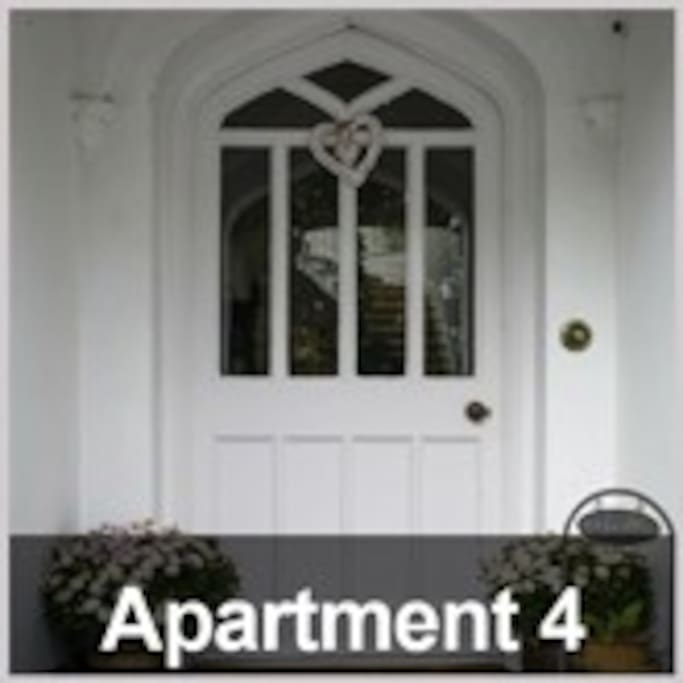 APARTMENT 4 ENTRANCE (SHARED FRONT DOOR WITH APARTMENT 3)