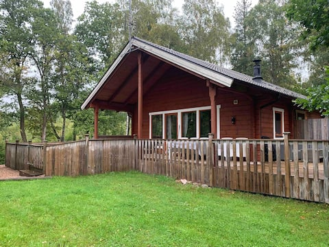 Cosy cabin at the edge of the forest with sauna