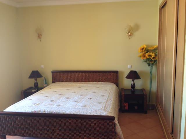 Apartamento Dona Mariana - Alcantarilha - Byt