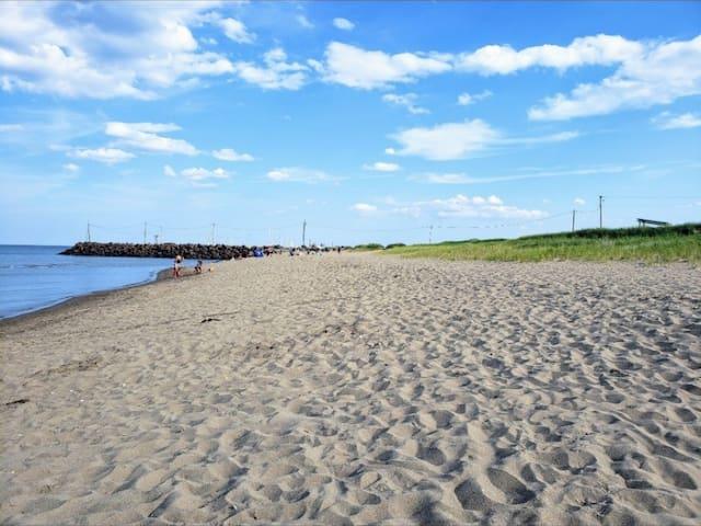 ★ Beautiful Beach★ 2 Bdrm Cottage near the Dunes★