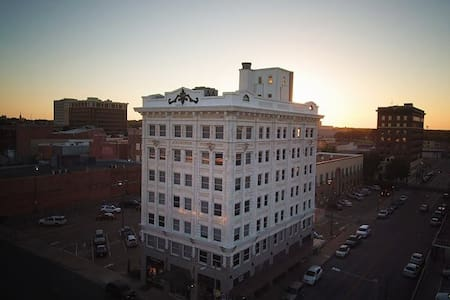Downtown Waco Loft with Amazing Views! - Уэйко - Лофт