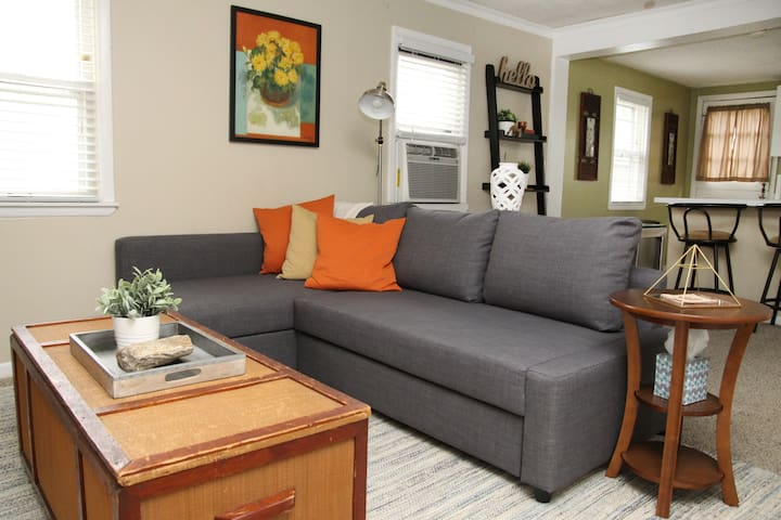 Modern, Healthy, Home - Overland Park - Bungalow