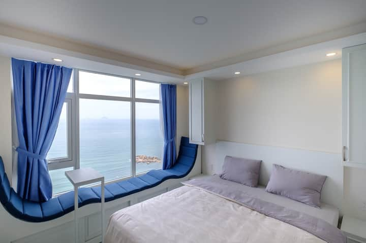 High floor with ocean view apartment