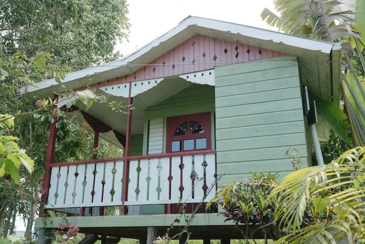 Durga's Den - Eco-farm Private Cottage