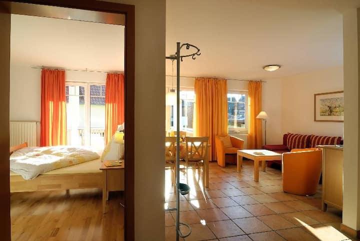 Ferienwohnungen Apfelhof-Bodensee Röhrenbach, (Immenstaad am Bodensee), Ferienwohnung Typ C 3, 68qm, 2 Schlafzimmer, max. 5 Personen