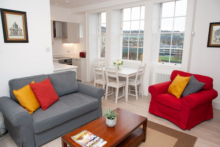 ⭐️ Luxury 1 Bed Flat, Spectacular Views Of Bath ⭐️