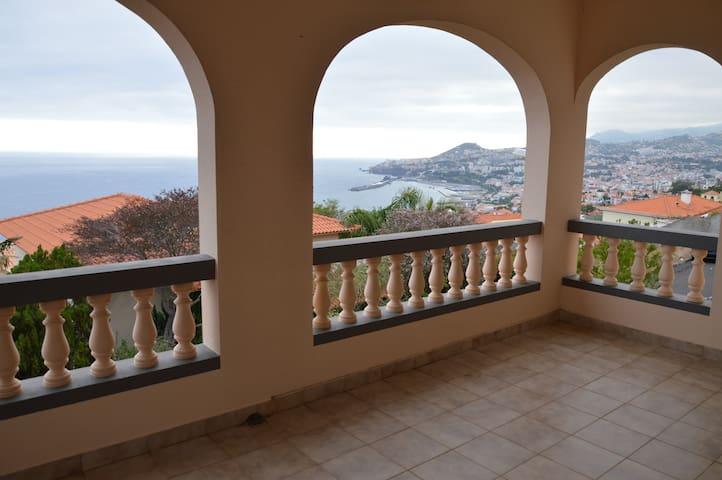 Villa Peaceful by Atlantic Pearl Madeira - Funchal - Ház