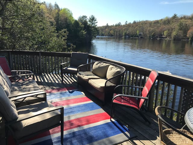 Twelve Mile Bay Family Cottage 1.5 hrs from GTA