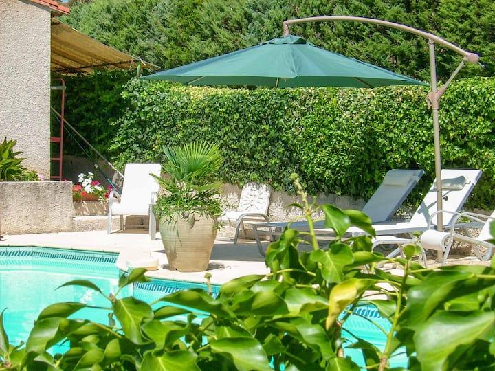 Maison au calme avec vues piscine privée