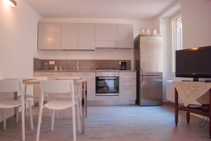 New Harbour 2 apartment , Lake Garda - Brenzone sul Garda - Lägenhet