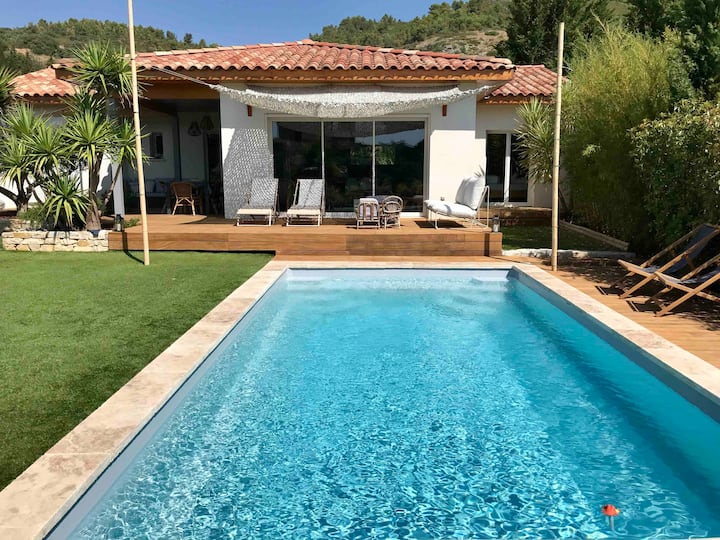 Nice and peaceful House with private pool & garden