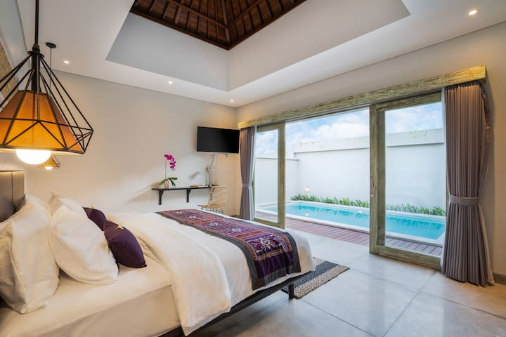 SPECIAL MONTHLY RENT Echo Beach Private Pool Villa