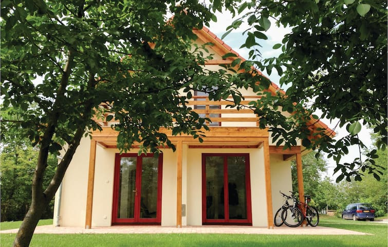 Holiday cottage with 2 bedrooms on 79m² in Szólád