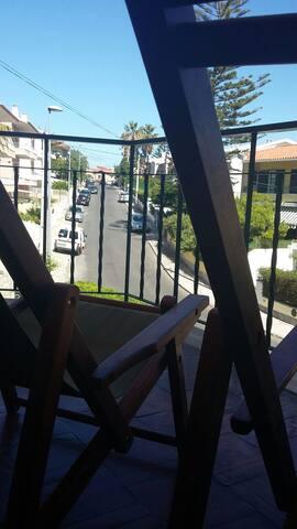 Sunny bedroom Parede/Cascais - Parede - Hus