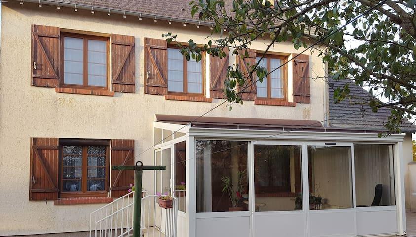 belle maison à 80km de Paris - Vert-en-Drouais