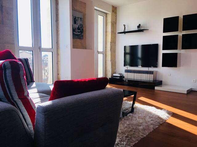 Grand duplex proche centre Bordeaux 100 M2