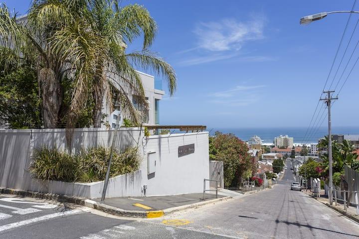 Spacious Sea Point Unit | Cape Town | Free WiFi