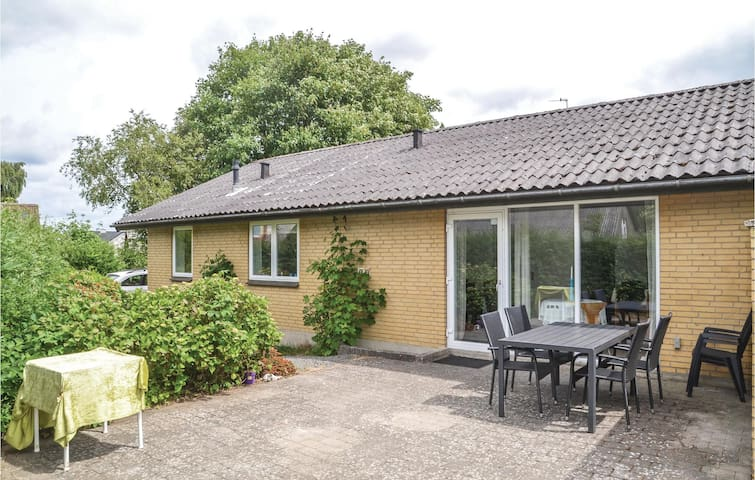 Holiday cottage with 3 bedrooms on 110m² in Karup J