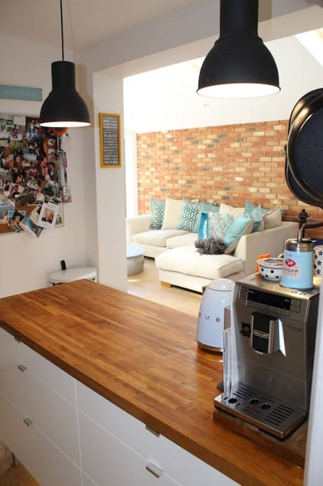 Open plan kitchen/lounge- perfect for chatting away while making dinner!