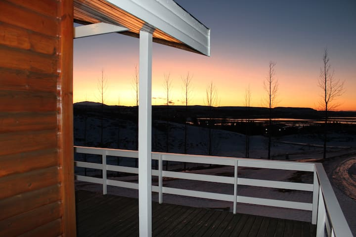 Gottage with a great view and geothermal hot tub - Reykholt - Cabane