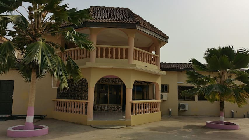 Tropical Nectar Guesthouse - Room 4 - Accra - Bed & Breakfast