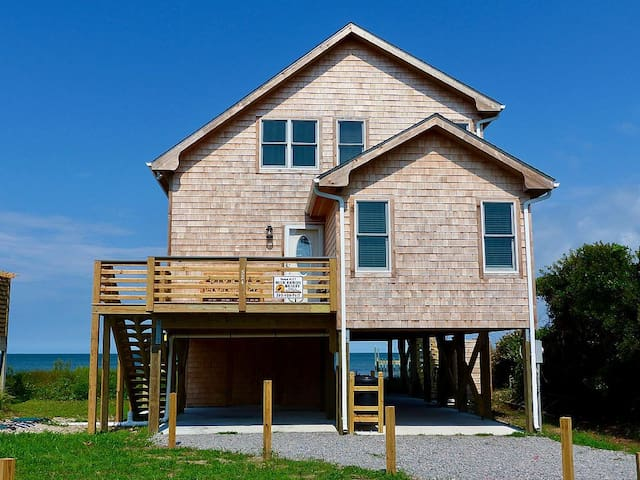 Shore Enuf-Located on Pamlico Sound with a small beach