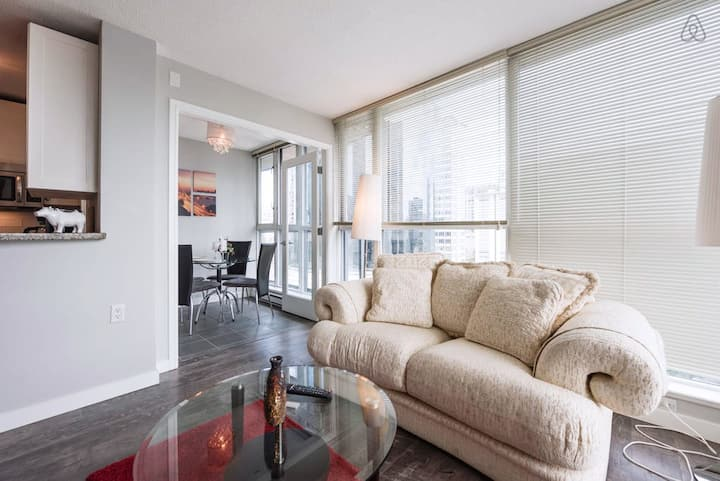 Great location! Modern 1BR in Downtown!