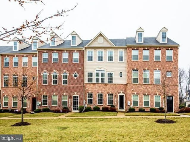 Capitol Heights Townhomes