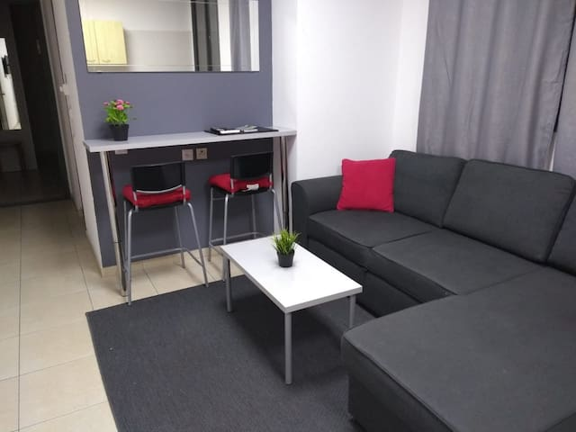 @Text me! - Apartment near the SARONA (SUBLET)