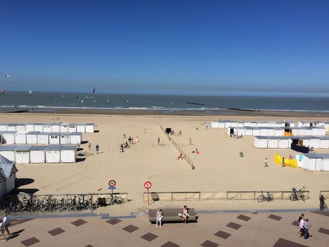 Ruim appartement aan de Zeedijk.