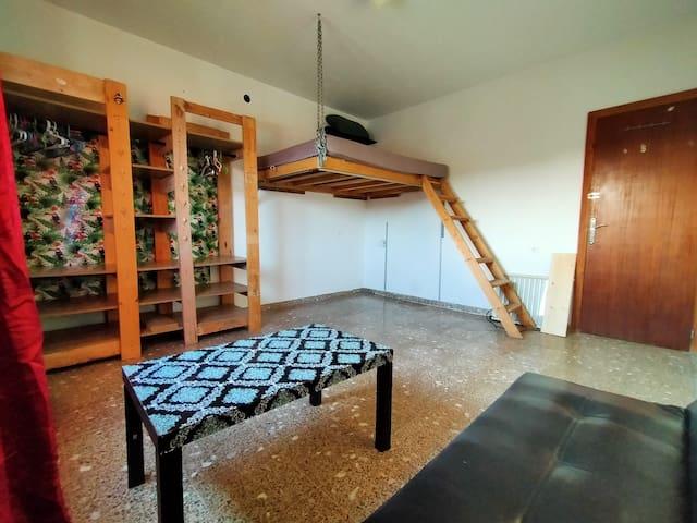 Habitación amplia en casa de campo