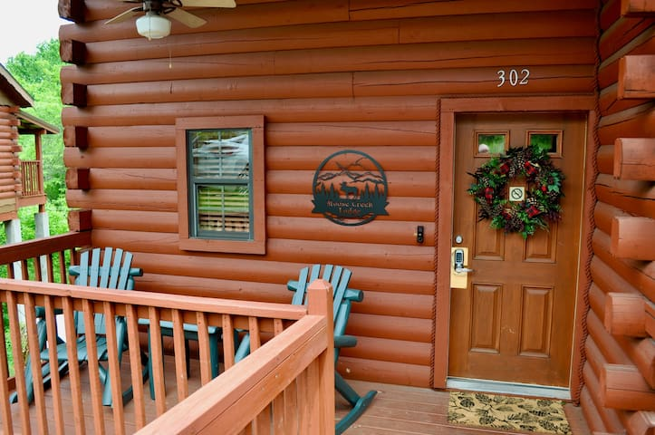 Moose Creek Lodge - 3 Bed/2 Bath Log Cabin