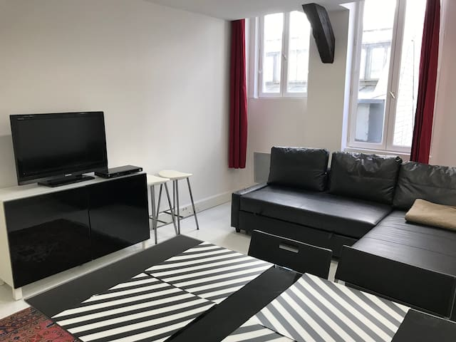 Cosy flat between Nation and Bastille Places