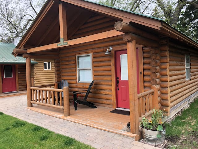 Log Cabin Cute! Long Horse Ranch Cabin #3