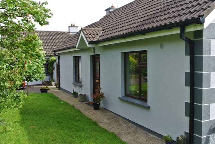 Peaceful, rural retreat in the village of Oulart
