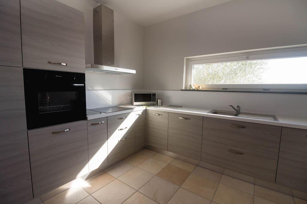 Cucina (forno, microonde, lavastoviglie)