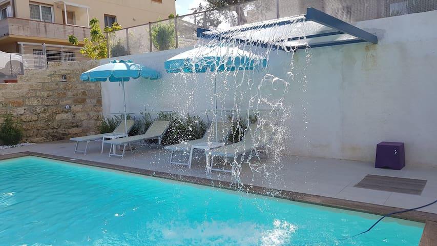 Villa Vo' Scura' Blu piscina riscaldata solare