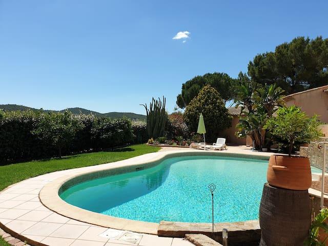 Studio avec accès  piscine, parking sécurisé