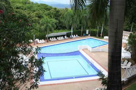 Hermoso Apartamento en Condominio Girardot Resort. - Girardot - Appartamento