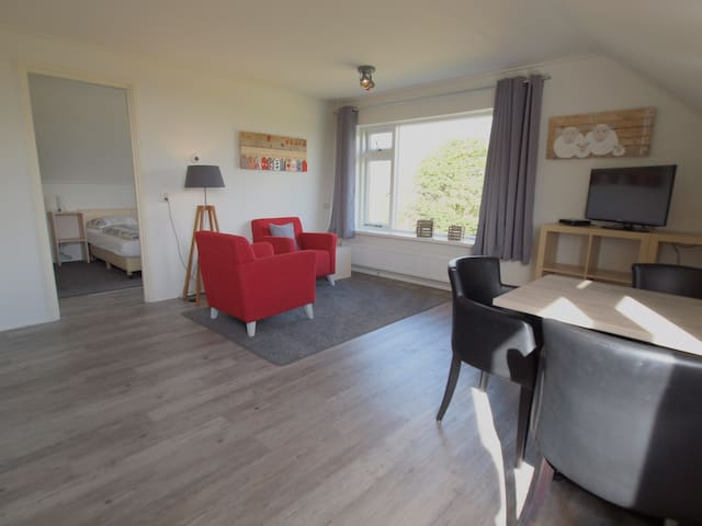 Luxe ruime kamer in De Koog nabij strand en duinen - De Koog - Bed & Breakfast