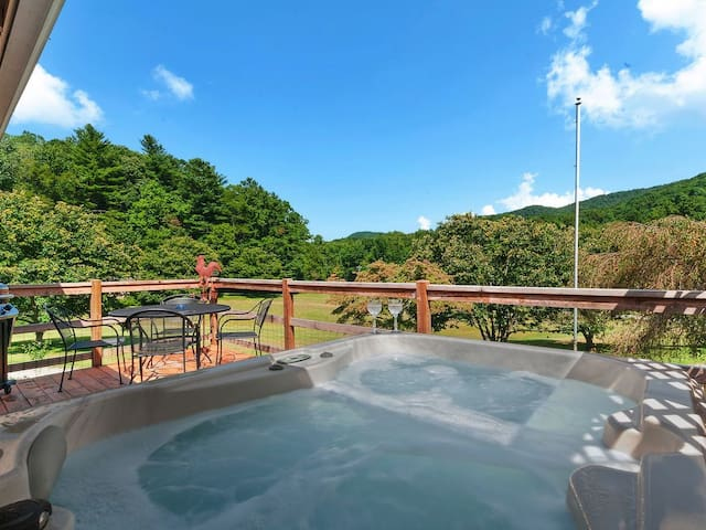 Two Amazing Cabins for One Low Price! WiFi Hot Tub