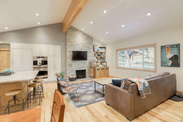 Tahoe Dreaming-A Modern , yet classic ranch house