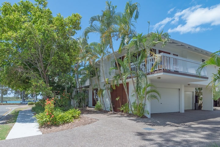 River House - a beautifully presented 3 bedroom standalone house