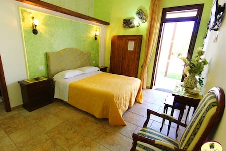 B&B Antiche Macine - Camera Tripla - Ruggiano - Bed & Breakfast