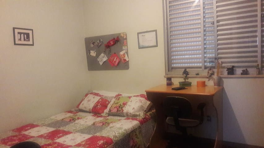 Bedroom with double bed - Belo Horizonte - Apartment