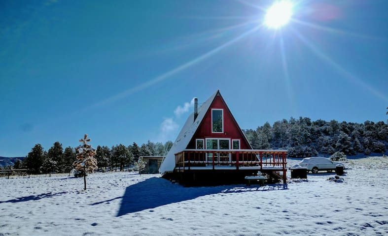Off-Grid A-Frame Cabin Nestled 8,400' in CO Mtns - Westcliffe - Houten huisje